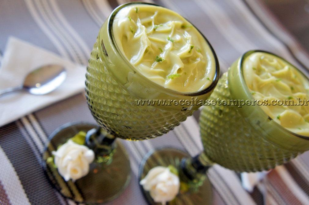 Creme de Abacate com leite condensado