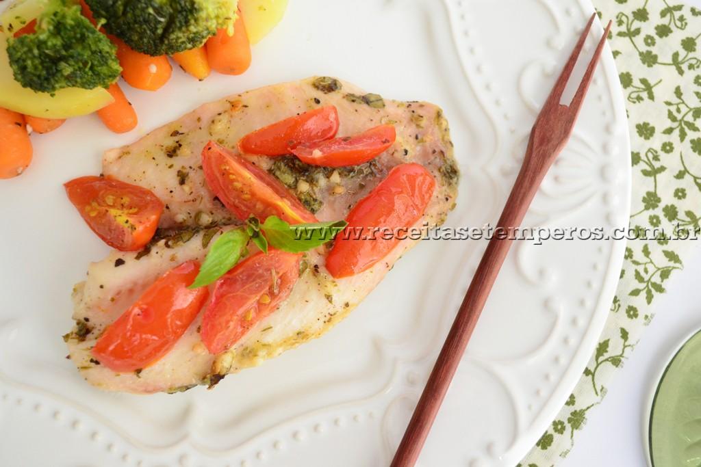 Filé de peixe com toque de manjericão