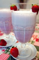 Suco de Morango com Leite Condensado