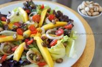Salada com Manga e Pistache