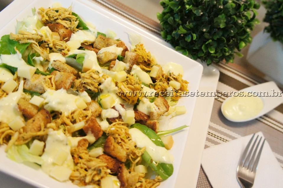 Salada Caesar com Provolone
