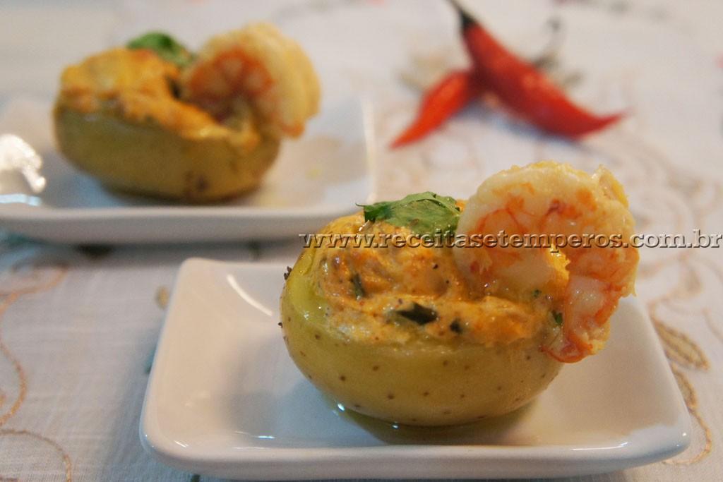 Mini batata recheada com camarão e catupiry