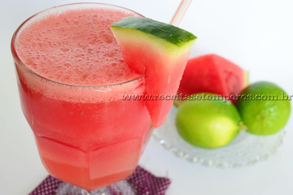 Suco de melancia com limão
