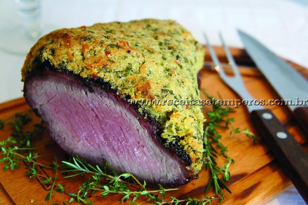 Carne com crosta de ervas finas