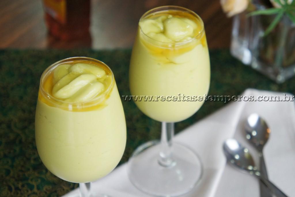 Creme de abacate com mel