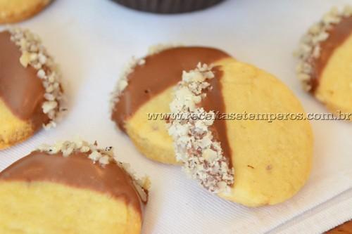 Biscoitinho de castanha com chocolate