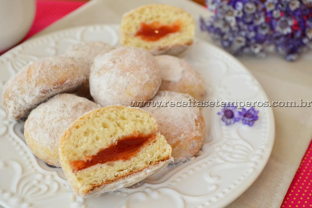 Donuts assados de goiabada