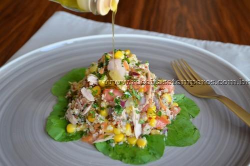 Salada de quinoa com atum