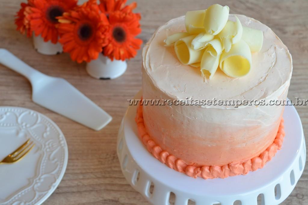 Bolo de laranja e chocolate branco
