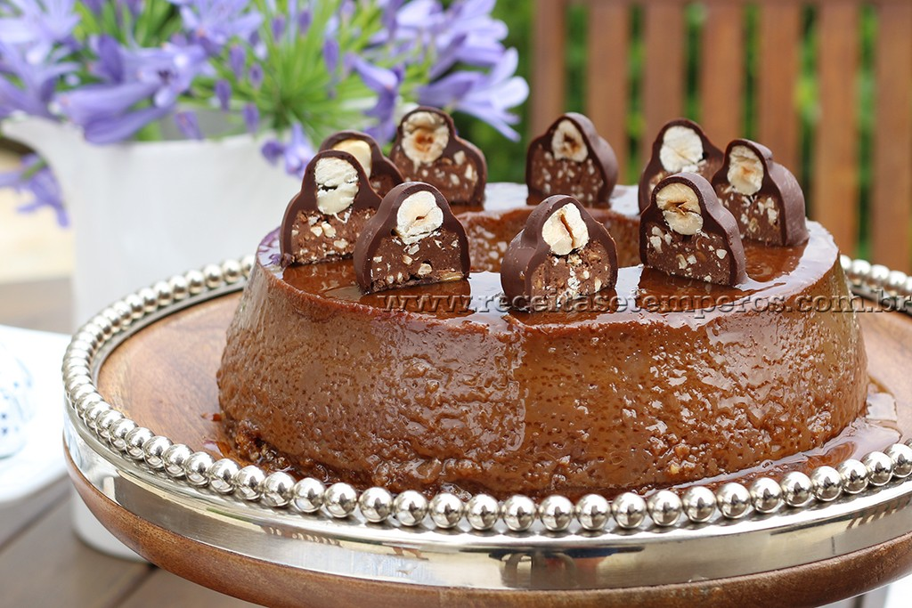 Pudim de chocolate com avelã
