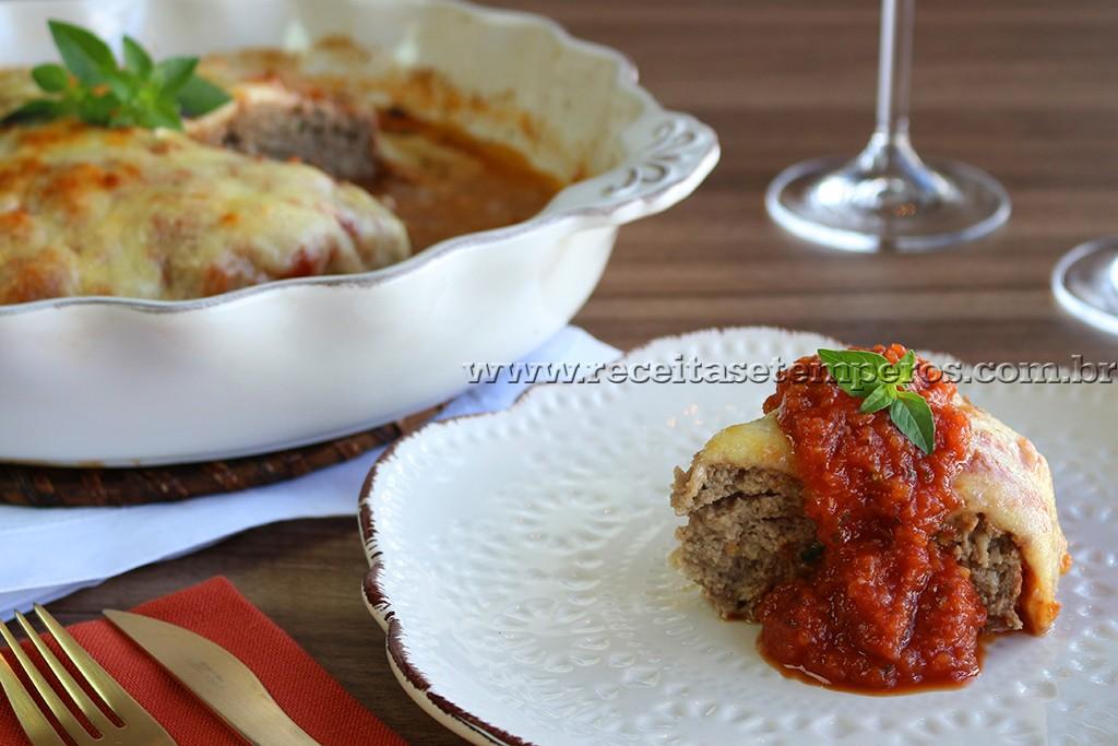 Mousse de Morango e Bolo de Carne