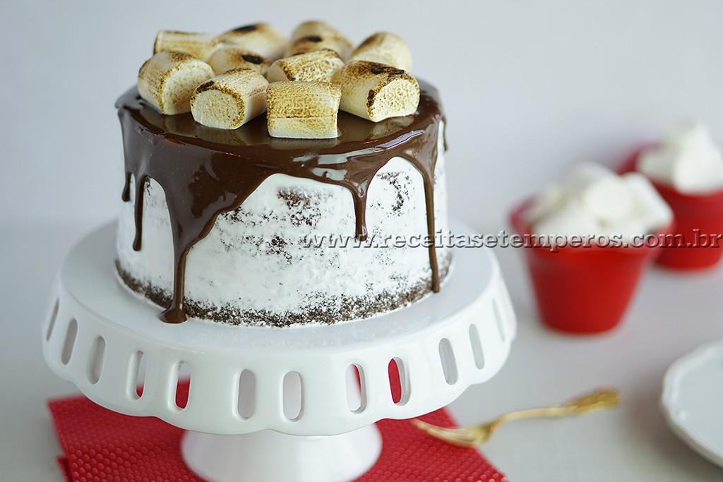 Bolo de Chocolate com Marshmallow Fini