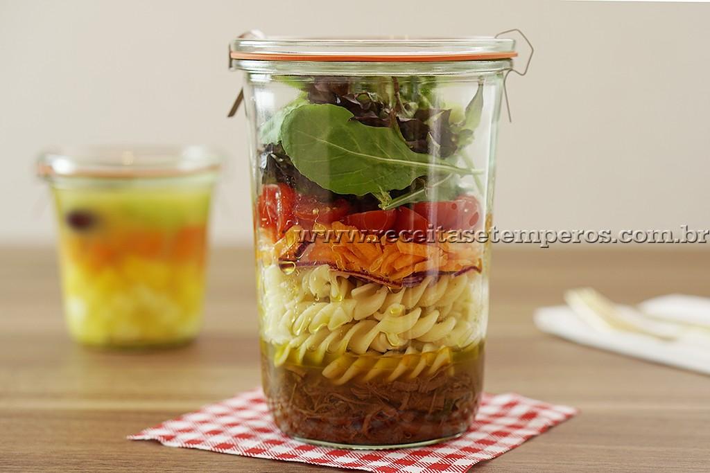 Marmita: Salada de Macarrão no pote