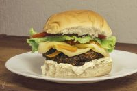 Lanche saudável para visão: Hambúrguer de brócolis